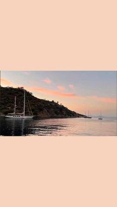 Cruise Italy, Sailing Cruises, Sailing Holidays, Family Destinations, Victoria, France, Coastal Cottage, Luxury Yachts, Italia