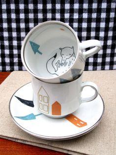 Cup and saucer 'sleeping fox'