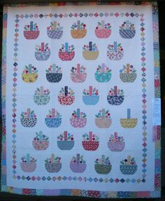 Finally source information for this quilt pattern -Buds in a Basket from A Bouquet of Quilts by C & T Publishing Quilt Stitching, Applique Quilts, Quilting Tips, Quilting Projects, Sewing Projects, Scrappy Quilts, Baby Quilts, Quilt Modernen, Basket Quilt