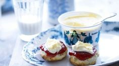 Roddas at Royal Cornwall Show - the Perfect Cream Tea. You do the maths. Clotted Cream, Whipped Cream, Sour Cream, Cream Tea, English Afternoon Tea, Best Afternoon Tea, Cream Scones, Best Tea, Tea Recipes