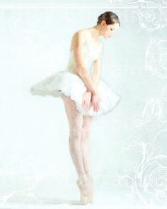 Ballerina en Pointe:  A Ballet Dance Watercolor by ChezLorraines