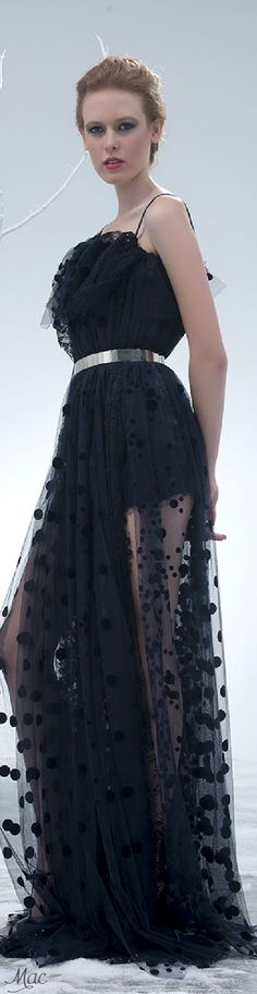 Spring 2015 Ready-to-Wear Isabel Sanchis Haute Couture Designers, Get Glam, Red Carpet Gowns, Spring Summer 2015, Evening Gowns, Nice Dresses, High Fashion, Ready To Wear, Cool Outfits