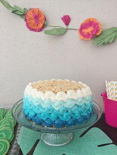 Ombre Wave Cake by The Sugar Llama - Kuchen - Best Cake Recipes Shark Birthday Cakes, Moana Birthday Party, Hawaiian Birthday, Luau Birthday, Mermaid Birthday, 2nd Birthday Parties, Beach Cake Birthday, Moana Party, Summer Birthday