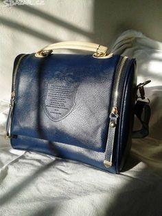 Tmavá modrá. Nová kabelka. Materiál: koženka. Střih: - obrázek číslo 1