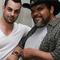 Luis Guzman showing off the Shade Rose by Egard with CEO Ilan Srulovicz