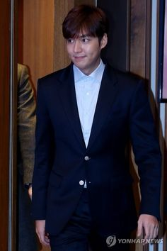Lee Min Ho arriving at the Korean Tourism Awards Ceremony, 20151222.