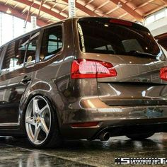 Geen woorden voor... AF!!! Volkswagen Touran, Vw T, Seat Alhambra, Vw Sharan, Car In The World, Station Wagon, Cool Cars, Ferrari, Classic Cars