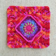 squaring off a crochet circle, crochetbug, crochet square, crochet purse