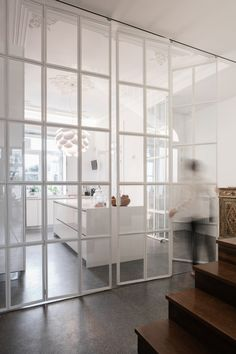 Image 10 of 19 from gallery of Pinheiro House / Atelier in. Photograph by José Campos The Doors, Windows And Doors, Sliding Doors, Küchen Design, House Design, Interior Design, Glass Room Divider, Modern Spaces, Glass Door