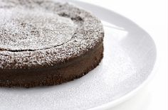 If you're into chocolate and decadence, this is the cake for you! Filled with richness and just a little spice, this chipotle chocolate flourless gluten-free cake might be up your ally. Flourless Dessert Recipes, Flourless Chocolate Cakes, Gluten Free Desserts, Cake Recipes, Chocolate Chocolate, Chocolate Desserts, French Chocolate, Chocolate Espresso, Chocolate Orange