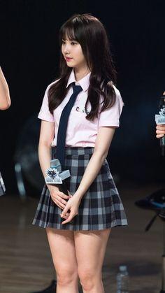 School Uniform Fashion, School Girl Outfit, School Uniform Girls, School Girl Japan, Good Looking Women, Teen Girl Outfits, Cute Skirts, Long Sleeve Bodysuit, Beautiful Asian Girls