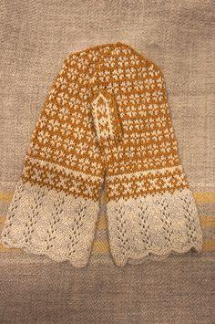 Ravelry: minatricot's kobana mittens