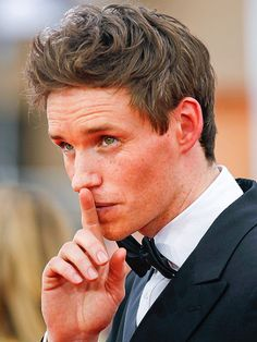 The Many Faces of Eddie Redmayne at the SAGs Cleopatra Beauty Secrets, Diy Beauty Secrets, French Beauty Secrets, Harry Potter, Avatar, Fantastic Beasts And Where, Many Faces, British Actors, Perfect Man