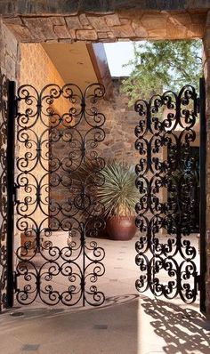 scroll iron gate, Hacienda style home Spanish Style Homes, Spanish House, Spanish Home Decor, Italian Home Decor, Spanish Revival, Design Toscano, Mediterranean Home Decor, Mediterranean Architecture, Hacienda Style