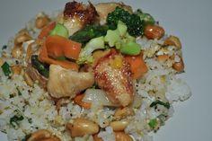 Zdravé varenie v pare : Vyskúšajte tieto recepty! Wok, Grains, Meals, Chicken, Fitness, Meal, Seeds, Yemek, Korn
