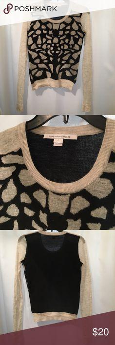 Diane vonFurstenberg light wool sweater Diane von Furstenberg light wool sweater, size petite, very tight fit, sheer arms. Small hole above left cuff. (Wool/Spandex/Polymaide/Kid Mohair) Diane von Furstenberg Sweaters Crew & Scoop Necks