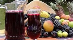 The delicious Chicha morada is a traditional beverage of the Peruvian Coast. It is made from a curious type of cereal calle purple corn, which is exactly the same as the regular corn, but in a very dark purple color. Peruvian Drinks, Peruvian Dishes, Peruvian Cuisine, Peruvian Recipes, South American Dishes, American Food, Steak Dinner Sides, Food Is Fuel, Latin Food