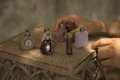 Tip Marušky Rumlenové: Parfém pro čarodějku - Kosmetika hrou Cufflinks, Homemade, Accessories, Home Made, Wedding Cufflinks, Hand Made, Jewelry Accessories