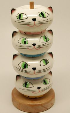Holt Howard 1958 Cozy Kitten stacking seasons set- SQUEEEEE!