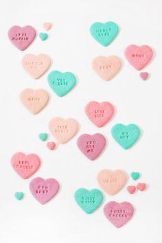 CONVERSATION HEART COOKIES | 50 VALENTINES DAY CAKES BAKES DESSERTS PUDDINGS & SWEET SNACKS | Bespoke-Bride: Wedding Blog
