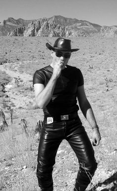 - Leather and the men who wear it - Mens Leather Pants, Tight Leather Pants, Skinhead Men, 80s Fashion Men, Cowboy Outfits, Well Dressed Men, Leather Fashion, Black Leather, Hot Cowboys
