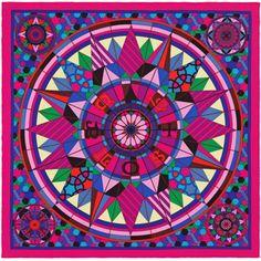 « Rose de Compas », Carré 70x70 cm en soie vintage. Dessin : Natsuno Hidaka. Jouez avec votre carré Hermès grâce à l'application Silk Knots ! hermes.com/silkknots #Hermes #Silk #SilkKnots