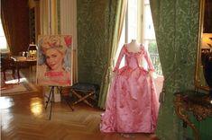 Antoinette Dresse Marie Wedding Dress | Dresses worn in the Marie-Antoinette Movie : I guess I don't really ...