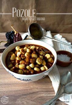 El pozole es una de las mejores comidas mexicanas, a todos les gusta y hecho correctamente puede ser muy nutritivo. Esta receta es de mi mamá, que desde chiquitos nos hacia esta sopa y...