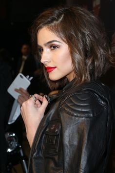 Hair and red lip Olivia Culpo at the Harley-Davidson Celebrates Black Label Collection With Rolling Stone New York City February, Olivia Culpo, Beauty Makeup, Hair Makeup, Hair Beauty, Hair Dos, My Hair, Clavicut, Red Lipstick Makeup Looks, Medium Hair Styles