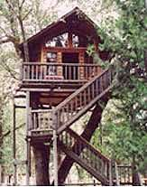 Treehouse Bed & Breakfast in Taklima Oregon.Sleep in a treehouse with electricity and plumbing! Next to Siskiyou National Forest. Near Oregon Caves National Monument.