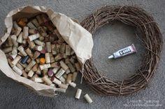 Wine Cork Wreath | DIY Wine Cork Crafts | Inexpensive Creative Ideas For Home Decor by DIY Ready at http://diyready.com/wine-cork-crafts-craft-ideas/