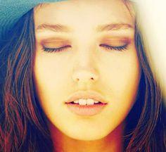 Emily Didonato-natural makeup