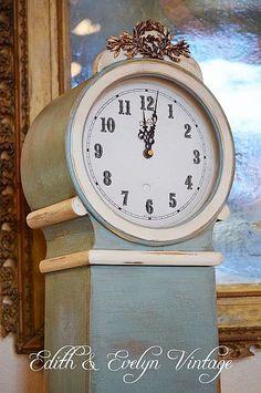 Great idea! And I LOVE clocks - especially big ones!