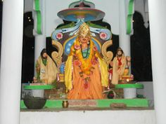 Kudanagari is famous for Magha Saptami Buda. This place is known as the second CHANDRABHAGA of Odisha. Every year thousands of devotees take a holy dip in Chitrotpala and see the rising Sun here in Kudanagari. This place is also famous for Suka Muni and Raja Parikshita. http://badabetara.blogspot.ae/2012_01_01_archive.html