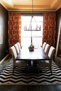 One of my favorite dining rooms!