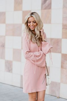 Awesome 33 Soft Pastel Spring Outfits for Cute Teen Girls http://clothme.net/2018/04/14/33-soft-pastel-spring-outfits-for-cute-teen-girls/