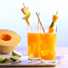 Peach Mango Sangria - White wine sangria made with fresh peaches and mangoes, nectar, and added liquor for a delicious summer drink. Peach Sangria Recipes, Mango Sangria, Mango Drinks, Cantaloupe Recipes, Radish Recipes, Summer Drinks, Peach Wine, White Wine Sangria, Red Dragon Fruit