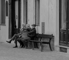 Discussions #photo #photography #monochrome #people #blackandwhite #blancoynegro #noiretblanc #square #italy #man #men #hat #village #photoblog #reportage #details #street #streetphotography
