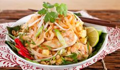 Stefano's Ultimate Pad Thai - In the Kitchen with Stefano Faita - delicious I made this for supper tonight loved the flavor. Excellent Stefano - thank you for the recipe! Wok, Pad Thai Receta, Cilantro, Great Recipes, Favorite Recipes, Dinner Recipes, Asian Recipes, Ethnic Recipes, Healthy Recipes