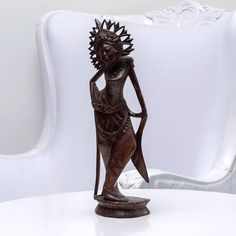 Beauty with Crown - Handcrafted wood sculpture from Bali. Spiritual decoration for unique places. #art #bali #balinese #handcrafted #decoration #decorativeart #dekor #elyapımı #woodart #zanaat