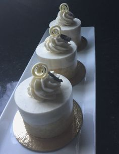 Vanilla Bean Mousse Cake