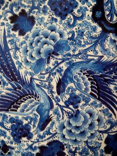 Splendid Chinese and delft blue: The taste of Petrol and Porcelain World Of Color, Color Of Life, Delft, Chinoiserie, Love Blue, Blue And White, Chinese Fabric, Asian Fabric, Image Deco