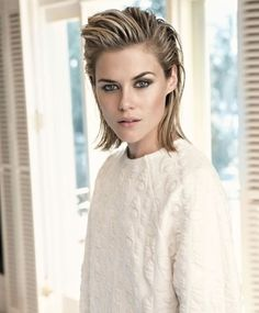 70 Winning Looks with Bob Haircuts for Fine Hair Rachael Taylor bob para cabelos finos Bob Haircut For Fine Hair, Bob Hairstyles For Fine Hair, Slick Hairstyles, Short Haircut, Messy Hairstyles, Wedding Hairstyles, Feathered Hairstyles, Summer Hairstyles, Wave Hairstyles