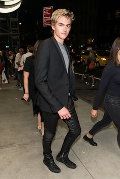 Presley Gerber, 17, the son of Cindy Crawford and Rande Gerber, is…