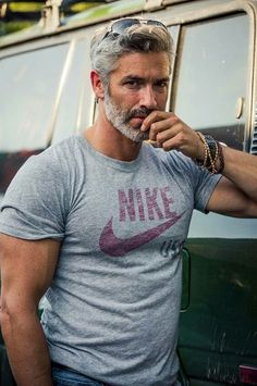 Hot Men w/ Grey & Silver Hair : 42 Hairstyles for Men with Silver and Grey Hair Grey Hair Men, Silver Grey Hair, Gray Hair, Grey Hair Male Model, Silver Foxes Men, Hair And Beard Styles, Hair Styles, Beard Styles For Men Over 50, Fox Man