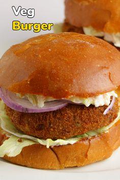 Cooking Recipes Veg, Snacks Recipes, Veg Burgers Recipe, Paneer Snacks, Vegetarian Fast Food, Homemade Burgers, Indian Dessert Recipes, Chaat, Grubs