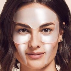 Wondering if a facial peel will give you the smooth skin you're looking for? SiO Beauty experts have the scoop on facial peels and wrinkle-reduction. Coffee Mask, Beauty Care, Diy Beauty, Beauty Skin, Beauty Ideas, Beauty 101, Beauty Guide, Homemade Beauty, Beauty Tips