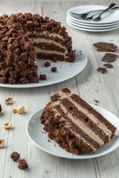Torta mimosa al cacao Sweet Cakes, Something Sweet, Chocolate Desserts, Gelato, Food Art, Tiramisu, Sweets, Cooking, Ethnic Recipes