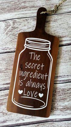 The secret ingredient is always love wood cutting board housewarming wedding gift - Modern Wood Burning Crafts, Wood Burning Art, Wood Crafts, Diy Wood, Diy Cutting Board, Wood Cutting Boards, Wood Pallet Signs, Wood Signs, Faux Wood Wall