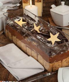 Μια υπέροχη μους σοκολάτα από το νέο τεύχος των Γλυκών Αλχημειών. Σερβίρεται σε μπολ μαζί με μπισκότα, σαν μακρόστενη σαρλότ. Christmas Treats, Christmas Time, Chocolate Treats, Custard, Sweet Recipes, Mousse, Pudding, Sweets, Cheese